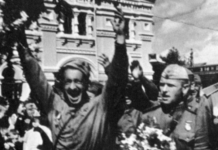 """Қазақ үшін 1941-1945 жж қан кешу """"Ұлы Отан соғысы"""" емес"""