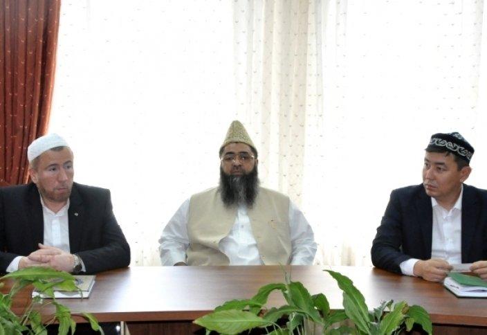 Діни басқармада Үндістанның Бас мүфтиі болды