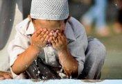Как уговорить взрослого сына совершать обязательную молитву?