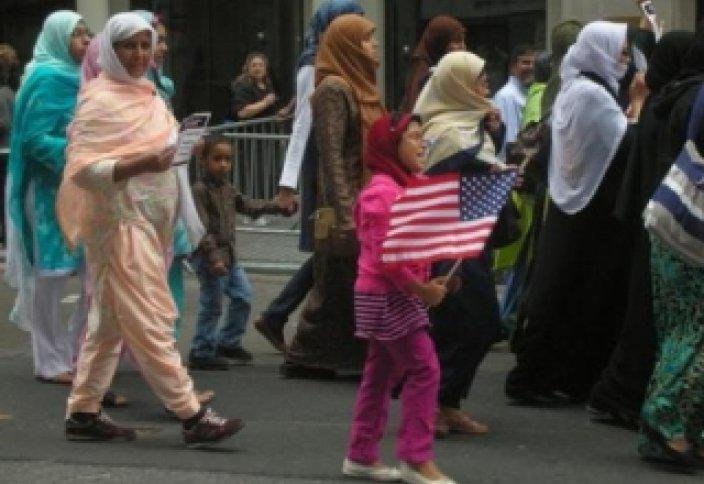 Америкалықтардың жарым жуығы арабтар мен мұсылмандарды ұната бермейді