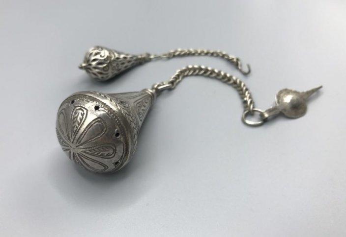 Серебро и ладан: аромат – невидимая часть арабского костюма и украшений