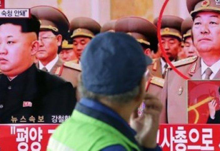 Солтүстік Кореяда ұйықтап қалған министрді жазалау сәті көрсетілген видео пайда болды