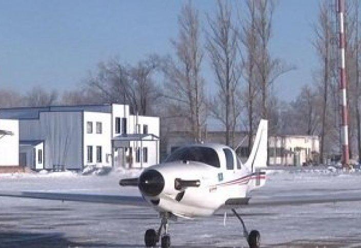 Уральск: на взлетной полосе самолет казахстанского производства (видео)