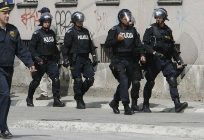 Боснияда жүздеген мұсылманның түбіне жеткен жендеттер тұтқындалды