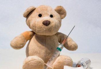 Как защитить не привитых по медицинским противопоказаниям детей, рассказал Жандарбек Бекшин. Родителей обещали не штрафовать за отказ прививать детей