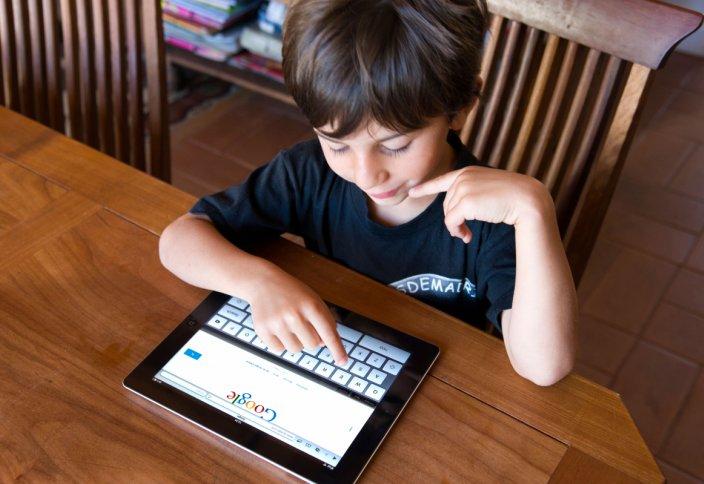 Google балалардың смартфонын бақылайтын қызметті іске қосты