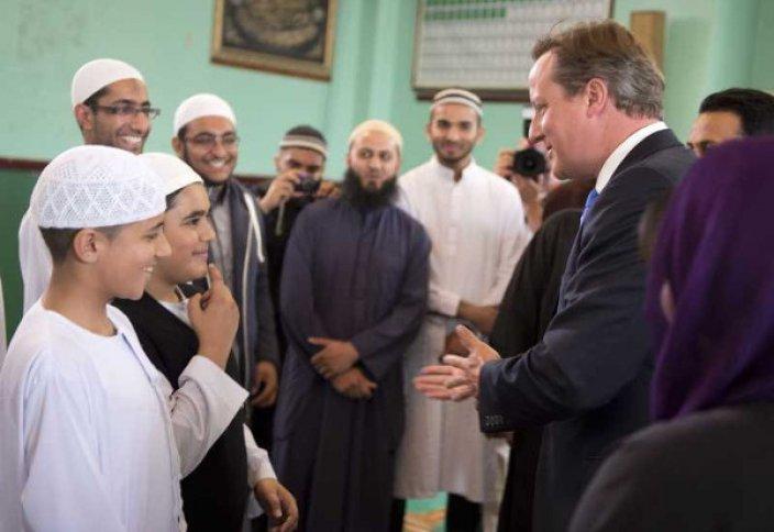 Британия қалаларында мұсылмандардың қарасы көбейіп келеді