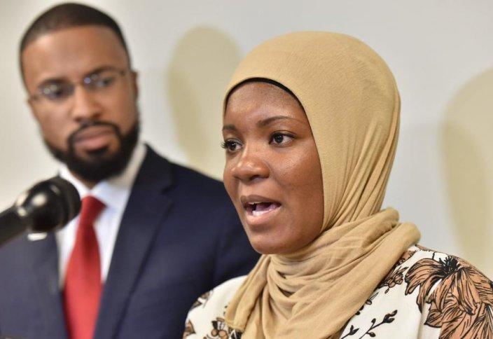 Разное: Принявшая ислам надзирательница накажет тюрьму за запрет на хиджаб