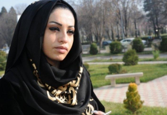 Таджикская поп-дива облачилась в хиджаб