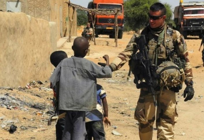 ВВС: Почему западные страны выводят войска из конфликтных зон по всему миру?