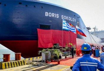 Китай создал первый в мире всесезонный арктический танкер для перевозки СПГ