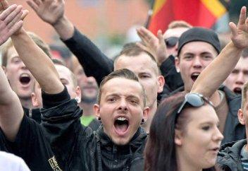 """Миграционный кризис """"потопил"""" левые партии Европы"""