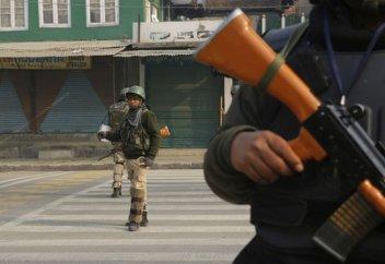Убийство мирного жителя в Кашмире вызвало волну протестов