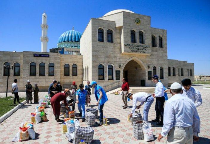 Турция оказала помощь нуждающимся в Казахстане