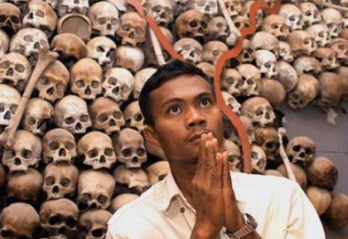Мұсылмандарды қынадай қырған «қызыл кхмерлер» трибуналға тартылды