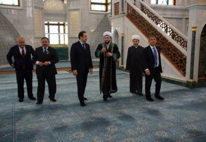 Делегация Казахстана посетила мечеть Кул Шариф