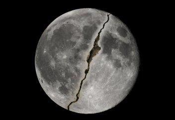 НАСА подтвердило: Пророк ﷺ расколол Луну (Фото)