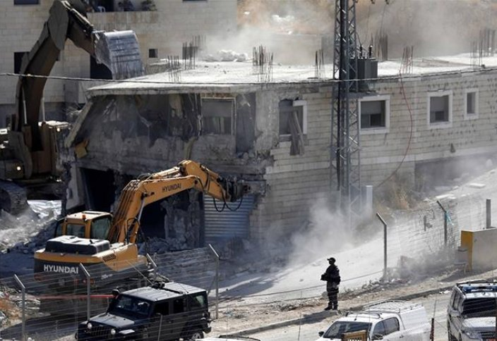 Израильские военные сносят 100 палестинских домов