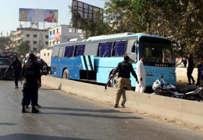 Автобусқа шабуыл жасағандар 41 адамды қырып салды