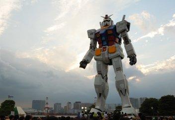 Самый большой робот в мире начал ходить (видео)
