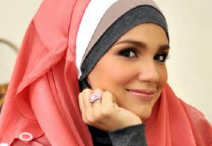 Актриса-мусульманка поддержала христиан