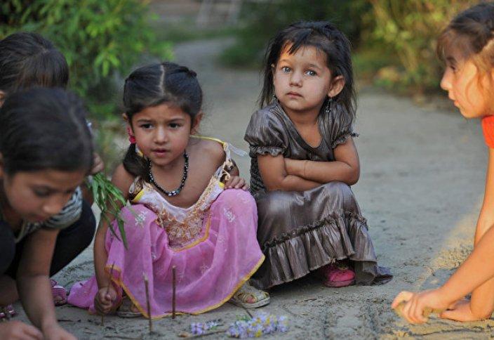 Noonpost (Египет): кочуют и ничего не производят. История цыган с самого начала