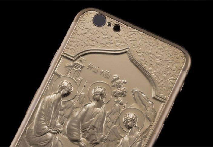iPhone-оберег  с золотом и «Троицей»