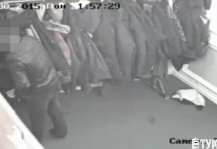 Ақтау мешітінен ақша ұрланған сәт видеоға түсірілді