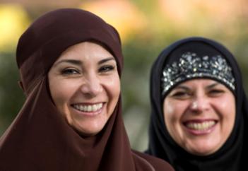 Вопросы, которые «сердобольным» гражданам не стоит задавать мусульманкам (ВИДЕО)