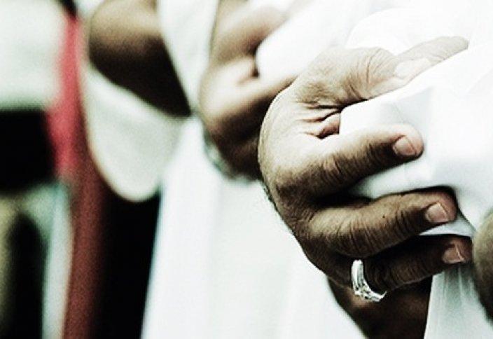 «Мәсбуқ» имаммен бірге сәлем беріп қойса, не істейді?