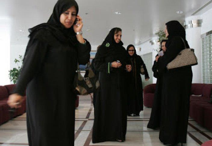 Беспокойство Саудовской Аравии растет: незамужних женщин все больше и больше