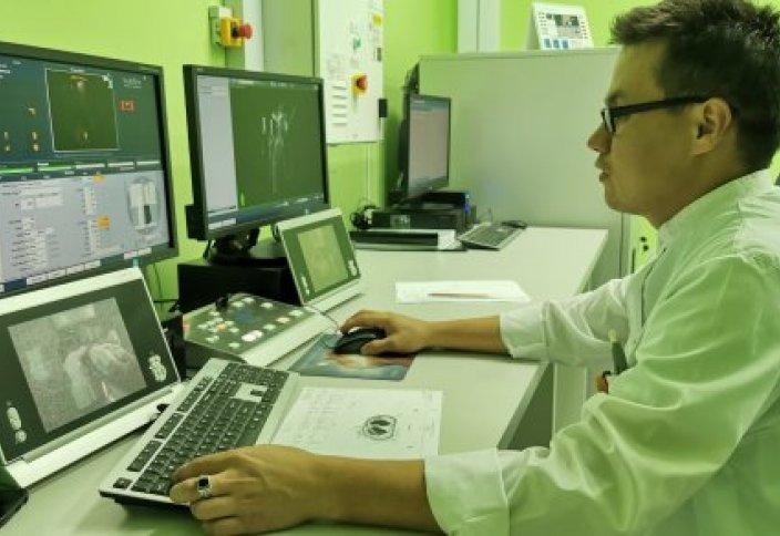 Аппарат для уничтожения раковых клеток появился в Алматы. Как это работает?