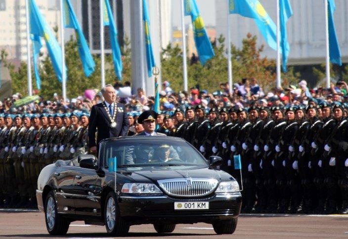 Астанада ел тарихындағы ең ауқымды әскери парад өтті (фото)