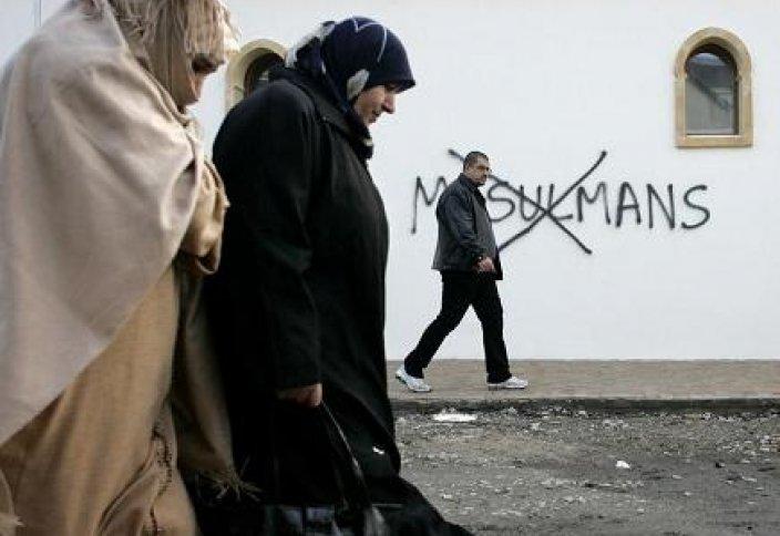 В свете последних событий мусульмане Франции разделились во мнениях