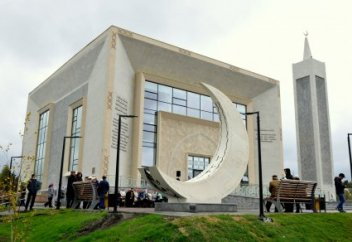 Новую мечеть вместо сгоревшей открыли в Бурабае (фото)