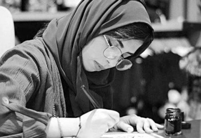 Мусульманка создает шедевры соединив арабскую каллиграфию с японскими иероглифами
