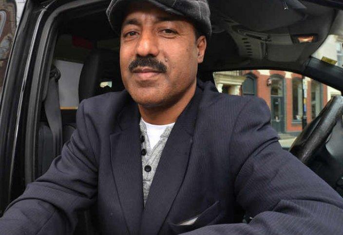 Жаһан жаңалықтары:  Мұсылман таксист иесіне ұмыт қалдырған ақшасын қайтарды