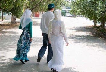 В Узбекистане объявили войну многоженству
