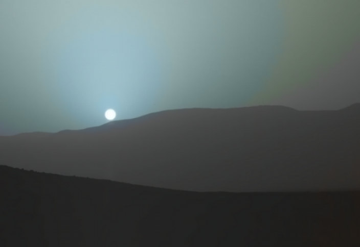 Синий закат на Красной планете… наука не стоит на месте