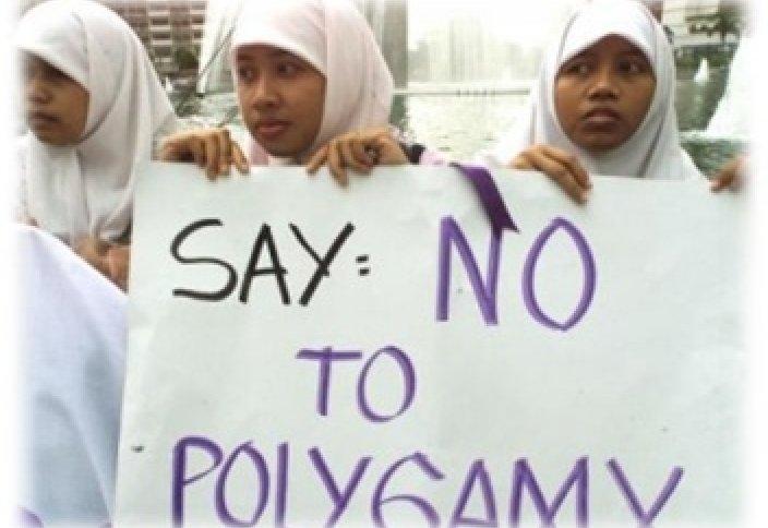 Канадский министр: полигамия – это варварство!