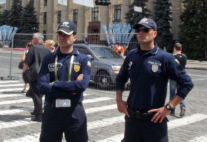 Нидерланды полициялары Құран мен Пайғамбар өмір баянын оқуға міндеттелді