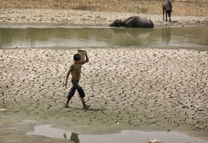 Үндістанда аптап ыстықтан 500 адам көз жұмды