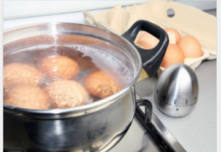 Как сварить яйца, чтобы они легко чистились? Как варить яйца, чтобы они не трескались?