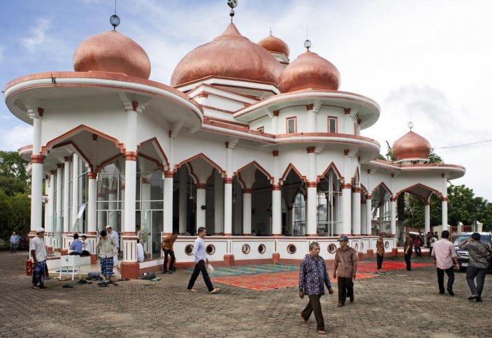 В Индонезии внедряют шариатское законодательство