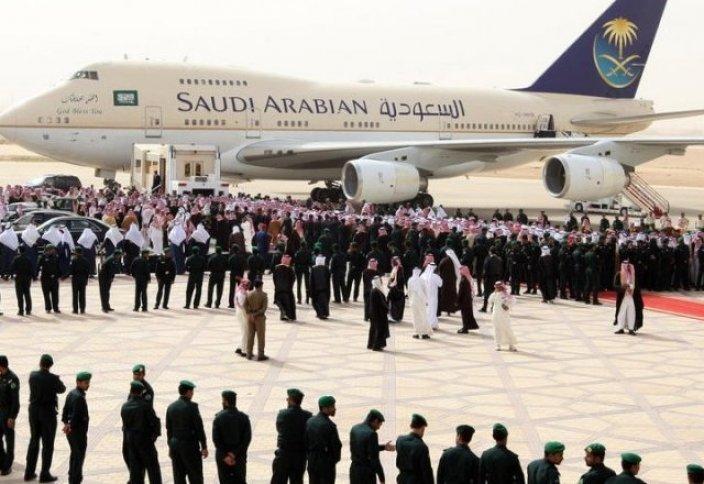 Сауд Арабиясының әуе компаниясы ерлер мен әйелдерді бөлек отырғызатын болды