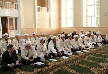 Имамдардың алдына зайырлы білім алуды да мақсат етіп қойды