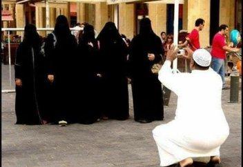 Raseef22 (Ливан): «один Бог — одна женщина» или многоженство? Что думают в Иране?