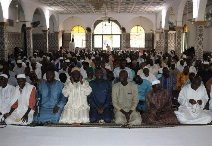 Хадарут уль-джума – зикр, уже более ста лет не смолкающий в Сенегале (фото+видео)