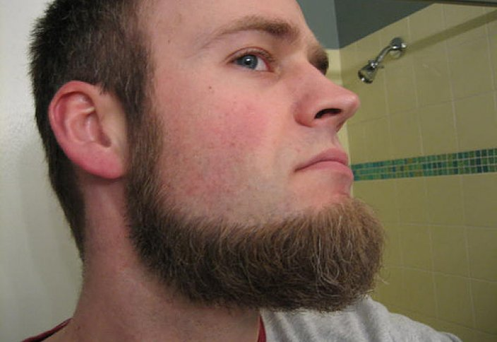 Контроль за бородатыми лицами без усов в Чечне