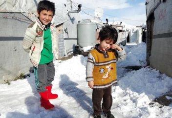 ЮНИСЕФ: Сирияда он бес бала суыққа шыдай алмай қайтыс болды